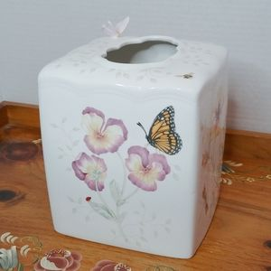 🌺SALE🌺 Lenox Butterfly Meadow Tissue Box Cover